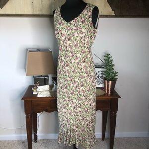 Karen Kane rosette floral maxi. Size medium